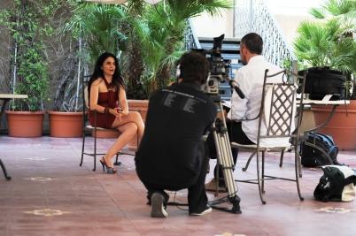 sul set per un'intervista rilasciata a Fashion Tv