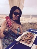 pausa lavoro nel mare di Montalbano con...Coca Cola vip